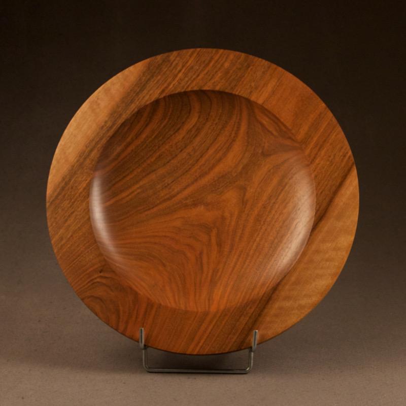 assiette en bois de noyer objets d coration en bois miroko. Black Bedroom Furniture Sets. Home Design Ideas