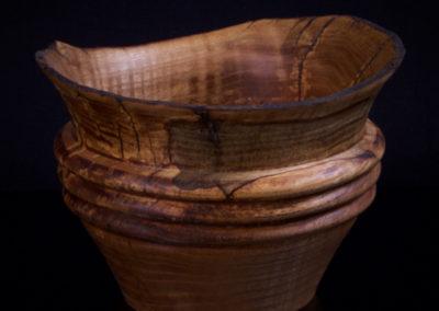bols en bois de frêne cordé