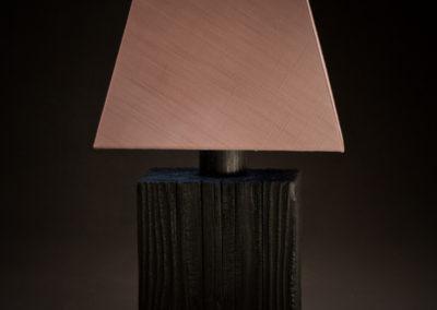 lampe en bois brûlé