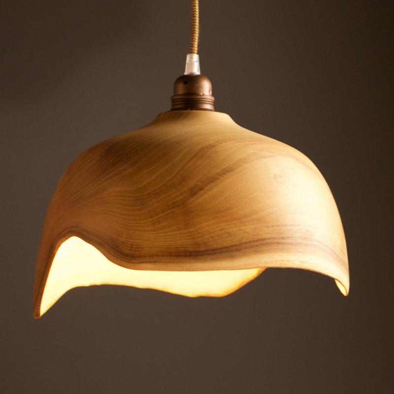 suspension en bois massif belle décoration en bois