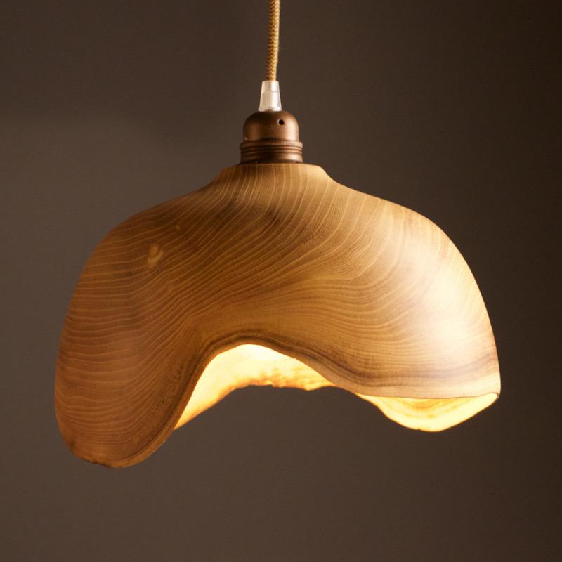 belle décoration en bois luminaire bois