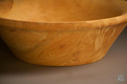 Corbeille à fruits en bois clair