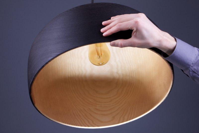 luminaire suspendu en bois brûlé
