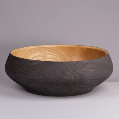 vide-poche design en bois brûlé